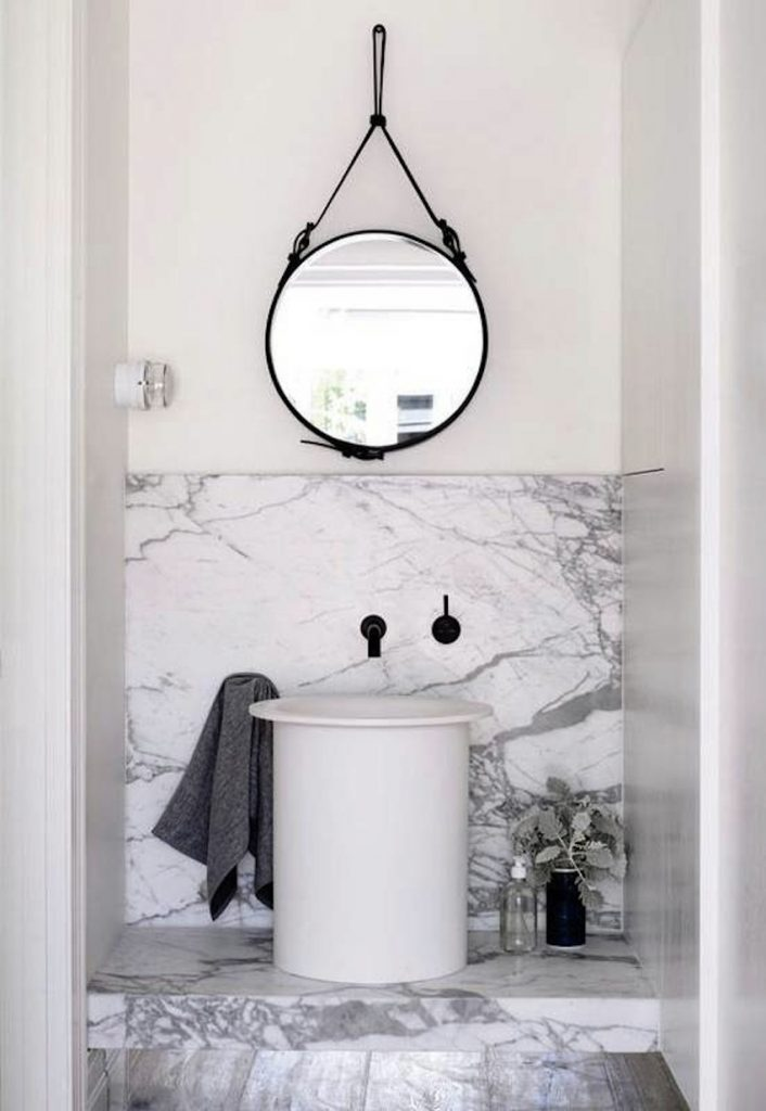 10 Dazzling Round Wall Mirrors Decorating Ideas To Inspire You