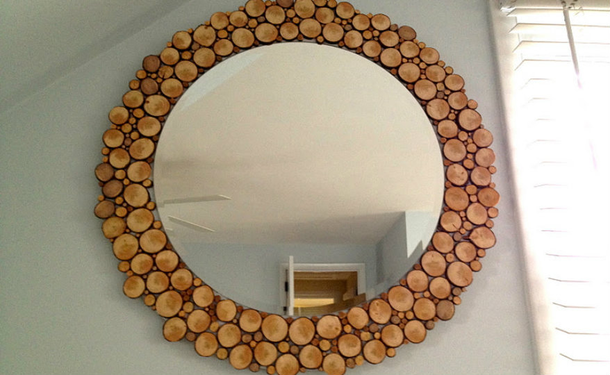 wood-slice-mirror do it yourself 5 Do It Yourself Mirror Ideas You Won't Be Able to Resist Wood Slice Mirror 1