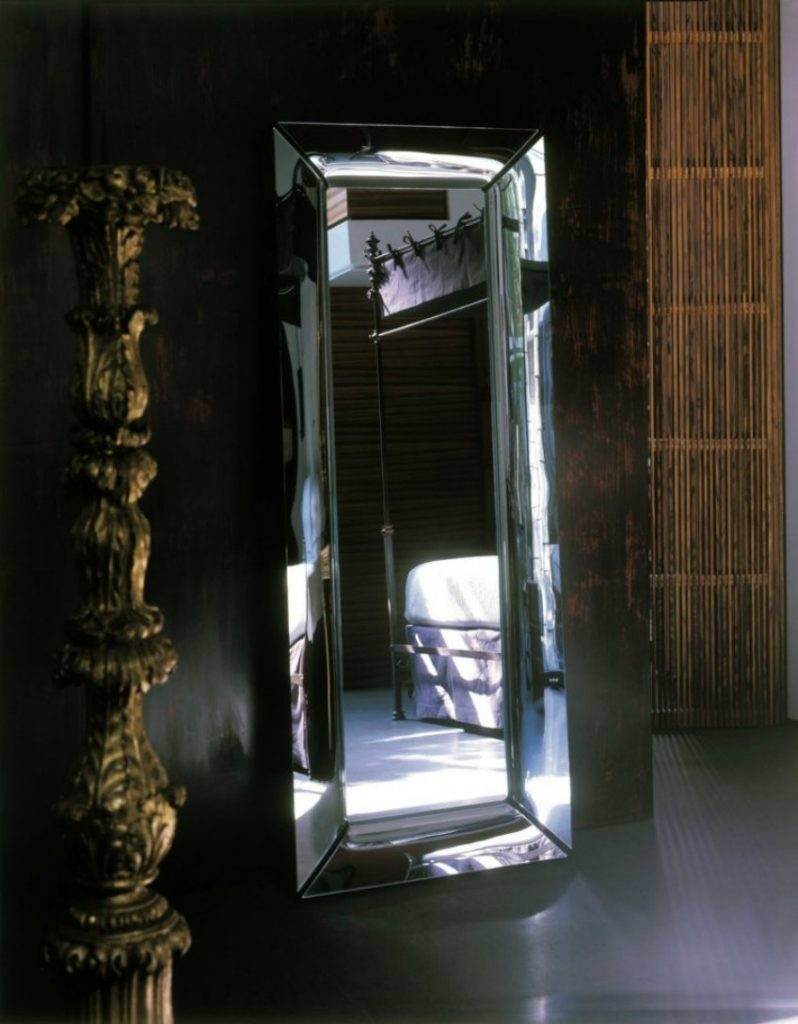philippe starck 8 philippe starck Be Fascinated with Philippe Starck's Ingenious Interiors with Mirrors philippe starck 8