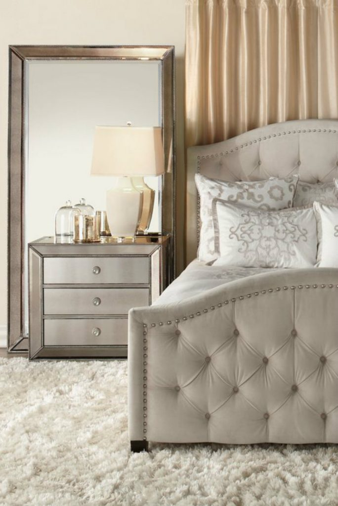 wallmirrors7 luxury mirrors The Best Luxury Mirrors for Contemporary Bedrooms wallmirrors7