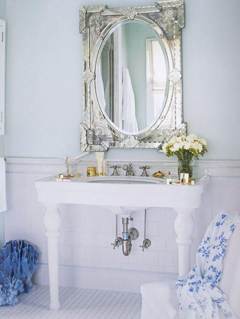venetian mirrors 25 Astounding and Original Venetian Mirrors source curated interior 1