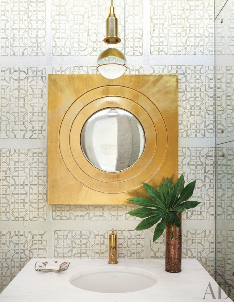 Know How to Make a Statement in Your Bathroom Set with Wall Mirrors