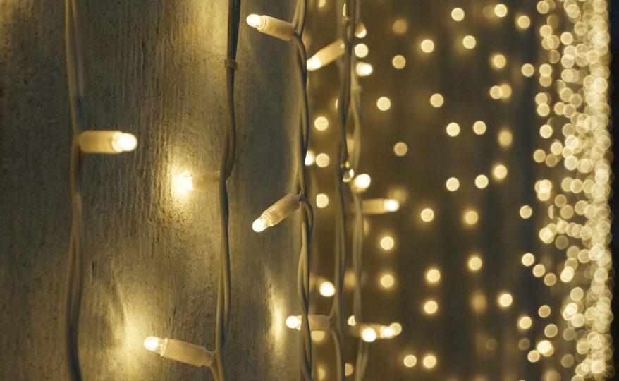 Decorating Tips Exciting Decorating Tips on How to Match Christmas Lights with Mirrors featured 5