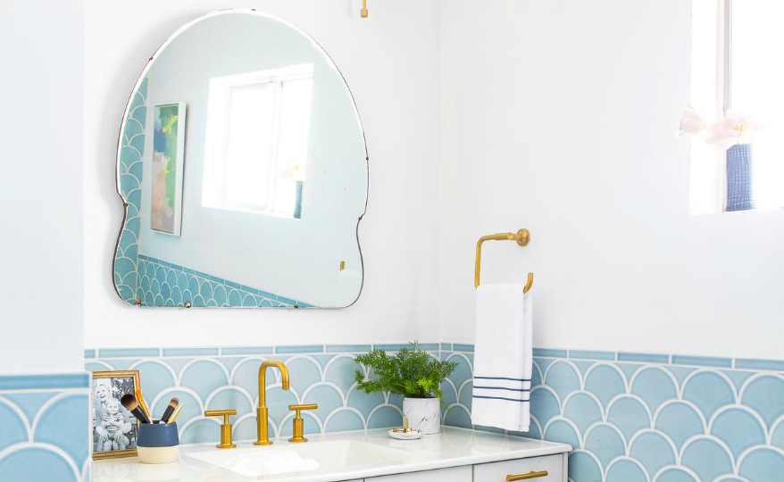 Discover Extraordinary Powder Rooms with the Best Wall Mirror Ideas