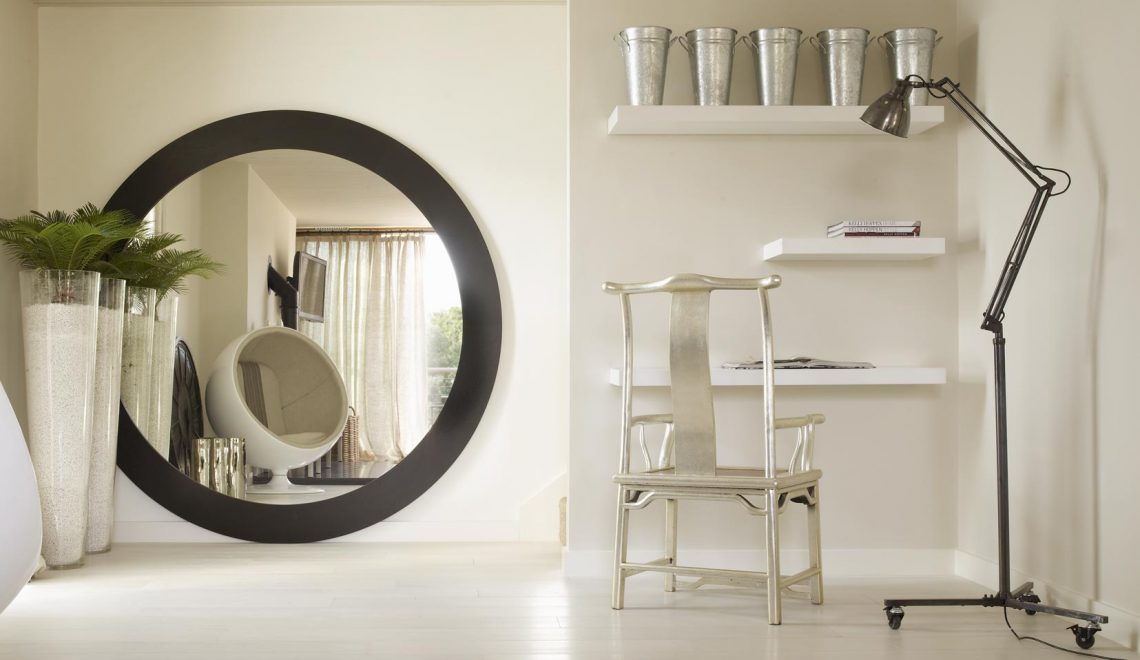 Admire Kelly Hoppen's Projects With Exquisite Mirrors