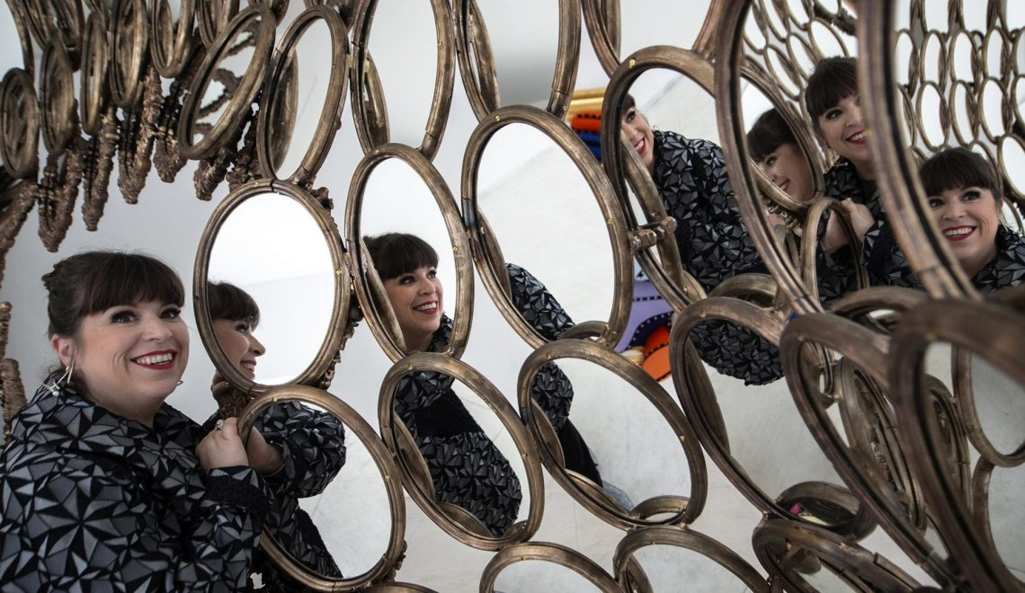 I'm Your Mirror, Joana Vasconcelos's Exhibition At Serralves i'm your mirror joana vasconcelos I'm Your Mirror, Joana Vasconcelos's Exhibition At Serralves Joana Vasconcelos Takes Over Serralves with Im Your Mirror 5 1140x660
