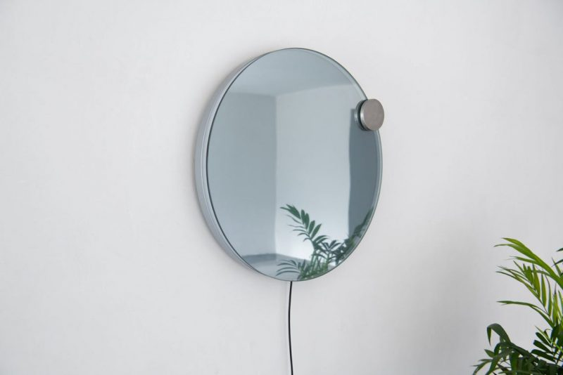 Atelier JM Designs A Wall Mirror That Resembles An Eclipse atelier jm Atelier JM Designs A Wall Mirror That Resembles An Eclipse eclipse mirror lamp Atelier JM 3 e1553851720377