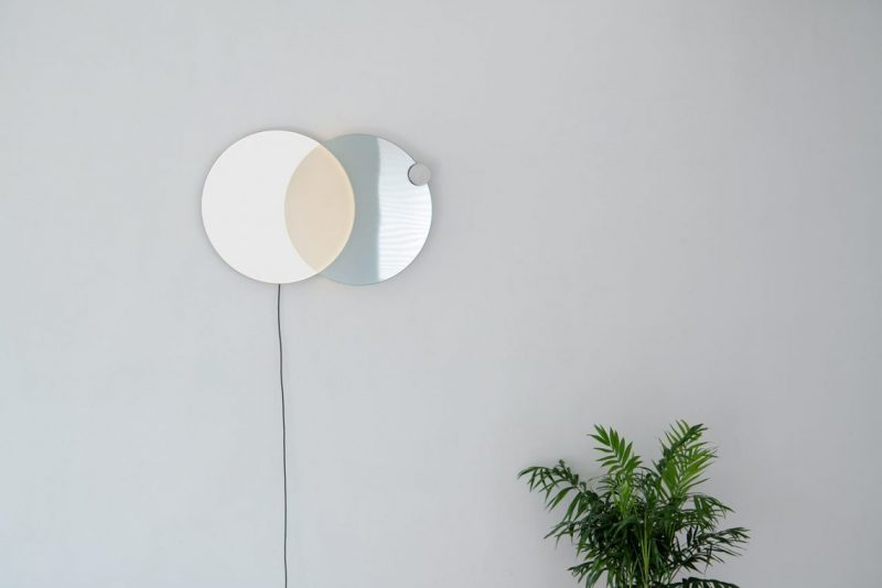 Atelier JM Designs A Wall Mirror That Resembles An Eclipse atelier jm Atelier JM Designs A Wall Mirror That Resembles An Eclipse eclipse mirror lamp Atelier JM 5 e1553851737721