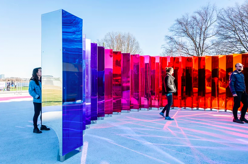 SoftLab Creates An Amazing Art And Mirrored Installation In Virginia