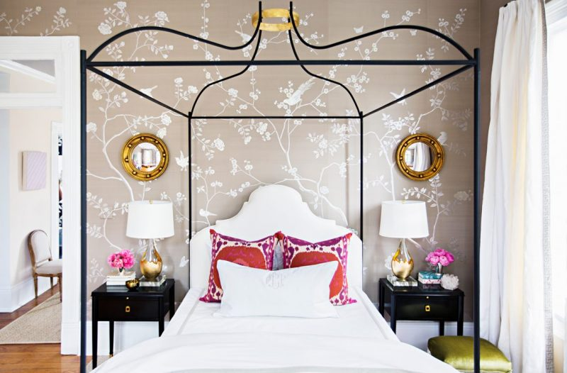 Choose The Perfect Round Mirror To Accessorize Your Home round mirror Choose The Perfect Round Mirror To Accessorize Your Home BA 0043929LR e1559907948876