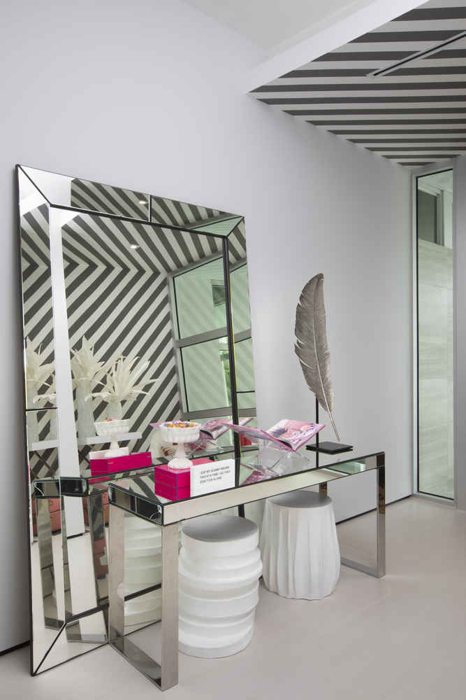 DKOR Interiors: When Minimalistic Mirrors Meet Craftsmanship dkor interiors DKOR Interiors: When Minimalistic Mirrors Meet Craftsmanship DKOR Interiors When Minimalistic Mirrors Meet Craftsmanship 2