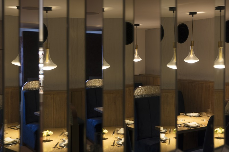 Discover The Mirror Placements Of India's Designers ZZ Architects zz architects Discover The Mirror Placements Of India's Designers ZZ Architects Discover The Mirror Placements Of Indias Amazing Designer ZZ Architects 8