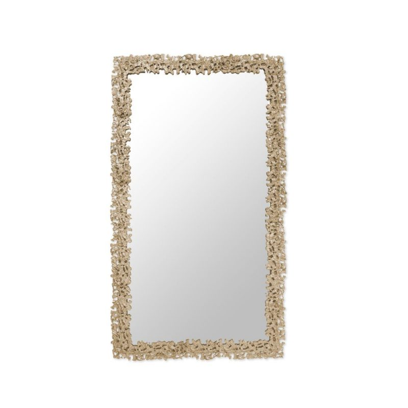 holiday mirror decor Holiday Mirror Decor: Have A Jolly And Luxurious Christmas Holiday Mirror Decor Have A Jolly And Luxurious Christmas 1 e1573041419781