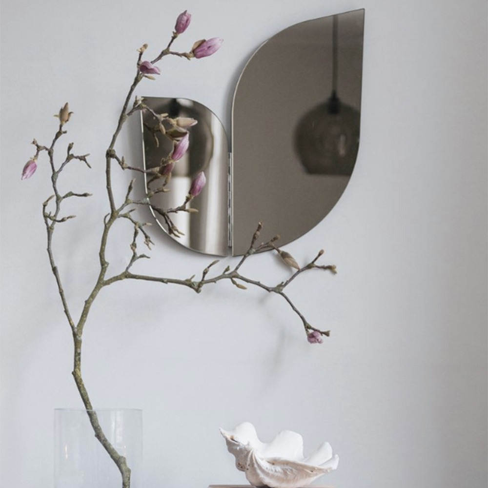 Squiggly Mirrors To Make A Design Statement squiggly mirrors Squiggly Mirrors To Make A Design Statement squiggly mirrors make design statement 4 1
