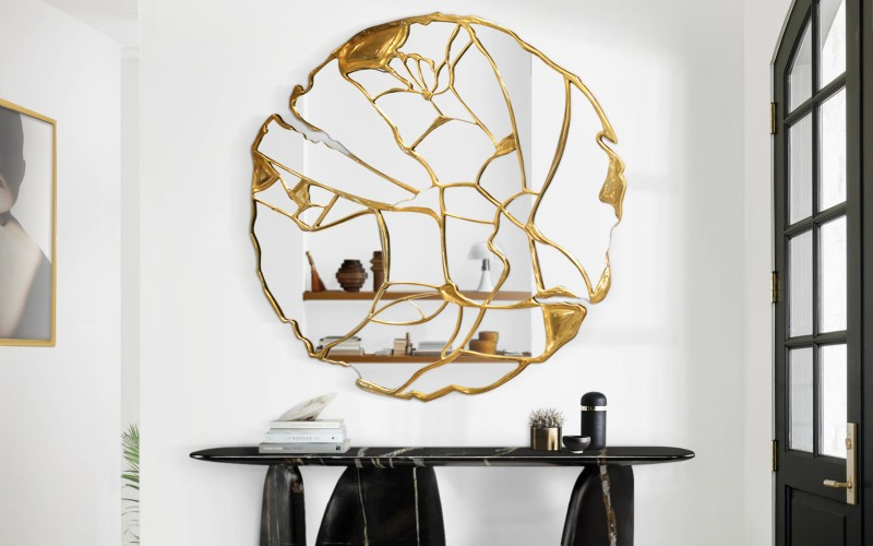 Luxury Mirrors With Unique Golden Details